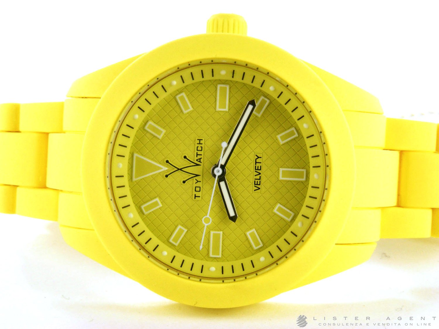 Prezzo TOY WATCH Velvety Lime in silicone Giallo Ref. VV18LI. NUOVO!